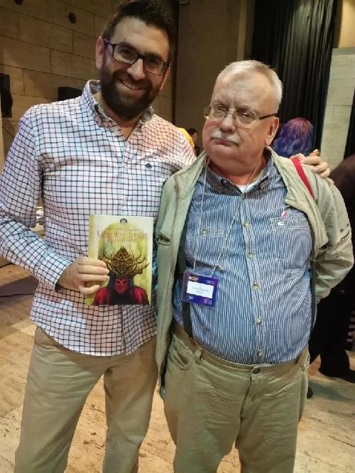 David Luna Lorenzo, autor de Ponzoña, con Andrzej Sapkovski, en el Festival Celsius